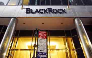 BlackRock kupuje 30% udjela u Intesinoj kompaniji za upravljanje imovinom