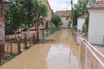 Crveni krst obezbedio pomoć za poplavljena područja