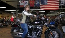 Da bi poboljšao prodaju, Harli-Dejvidson uči ljude da voze motocikle