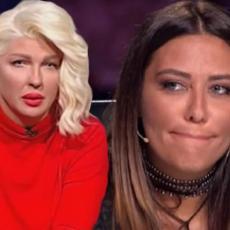 Debela si i dalje! Jelena Karleuša NIČIM IZAZVANA NAPALA Anu Nikolić u javnosti, javno je ponizila!?