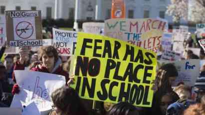 Demonstracije za veću kontrolu oružja i u Parizu