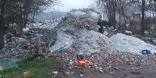 Deponija industrijskog otpada na ulazu u Čelarevo