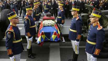 Desetine hiljada Rumuna na ispraćaju kralja Mihaela