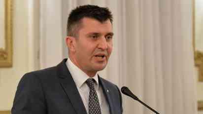 Đorđević položio vence na spomenik palim borcima u Trsteniku
