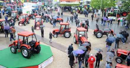 Evropa časti traktorima