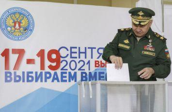 GLASAČKI LISTIĆI U TORBI: Ruska opozicija optužuje Putina za nameštanje izbora, Kremlj demantuje optužbe VIDEO
