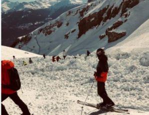 HOROR U ŠVAJCARSKOJ: Lavina zatrpala skijaše, strahuje se da je pod snegom ostalo 12 ljudi! (VIDEO)