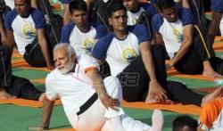 Hiljade Indijaca s premijerom Modijem  vežbali povodom Medjunarodnog dana joge