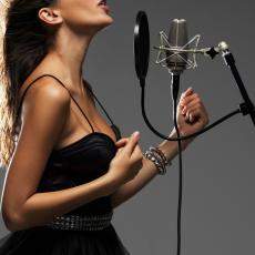 IMA PODRŠKU MAJKE: Ćerka poznate pevačice postala MUŠKO! (FOTO)