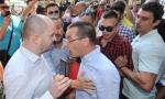 INCIDENT U CENTRU BEOGRADA: Predstavnici SzS pokušali fizički da spreče promociju Vrapca
