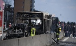 INCIDENT U ITALIJI: Vozač pokušao da zapali autobus sa decom