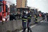Incident u Italiji, zapalio autobus kojim je vozio decu