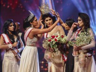 Incident uživo: Miss sveta skinula krunu s glave pobednice, odmah uhapšena