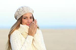 Izbegnite ispucalu kožu i lomljive nokte! Ovo su četiri najbolja načina da zaštitite ruke od zime