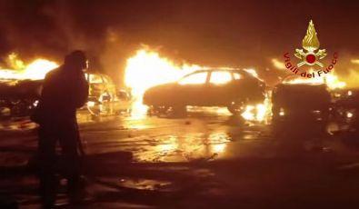 Izgorelo na stotine novih Maseratija i Fijata koji se proizvode u Kragujevcu
