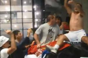 Jedan je Marjan Vajda! Valjao se po kolima, skinuo majicu  (VIDEO)!