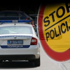 KAO U GTA: Vozač udario u dva automobila pa seo u jedan od njih i pobegao! Policija se dala u POTERU za njim