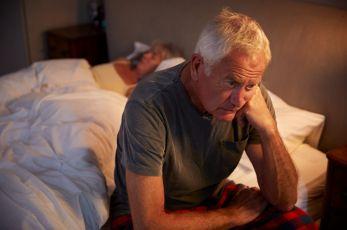 Kako starite, sve manje spavate. Zašto?