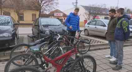 Kikindski učenici nagrađeni za patent GPS lokator za bicikl