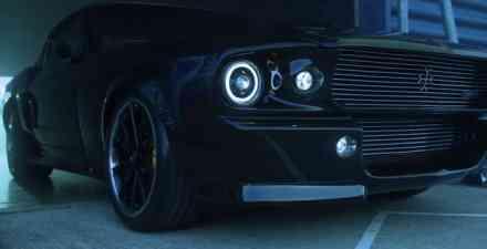 Klasični Ford Mustang na baterije