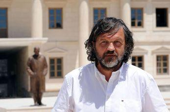 Kusturica: Ne dozvolimo da srpski jezik postane žrtva engleskog