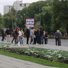 LJUDI MASOVNO ODUSTAJU OD PROTESTA, ZBOG LIDERA OPOZICIJE: Đilas, Boško i Vuk potpuno IZGUBILI POVERENJE!