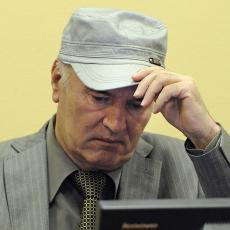 LOŠE VESTI IZ HAGA: Darko Mladić se ZABRINUTO oglasio o ocu!