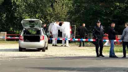 MISTERIOZNA SMRT NA AVALI: U spaljenom kombiju pronađen UGLJENISANI LEŠ! (FOTO)