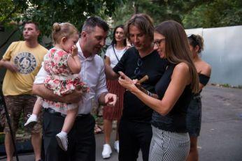 MOJE SRCE JE PUNO, OSEĆAM NJIHOVU ZAHVLANOST! Željko Mitrović drugi put ove godine obezbedio letovanje deci iz Zvečanske! (VIDEO)