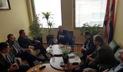 Ministar za zaštitu životne sredine i uvoznici vozila razgovarali o eko-taksi
