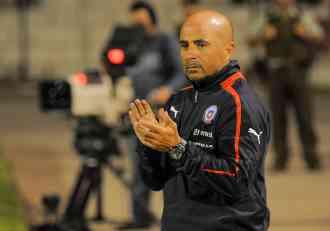 NACIJA SLOŽNA: Srpski navijači zahtevaju smenu argentinskog trenera