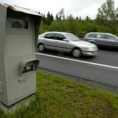 Najvažniju stvar kod PRETICANJA mnogi vozači izbegavaju, a može da ih košta ŽIVOTA!
