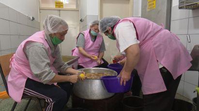 Narodna kuhinja Crvenog krsta ponovo deli tople obroke najsiromašnijim Subotičanima