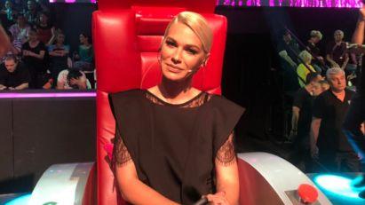 Nataša Bekvalac se oglasila neposredno pre početka superfinalne večeri Pinkovih zvezdica - All Stars, pa superfinalistima uputila emotivnu poruku! (VIDEO)