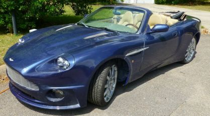 No comment: Aston Martin Vanquish replika na bazi Jaguara XK8