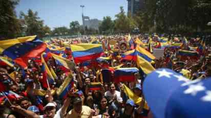 Oči sveta uprte u Venecuelu, za dva meseca izbeglo 600.000 ljudi
