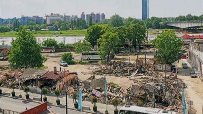 Skup povodom godišnjice rušenja u Savamali, šetnja, spomenik Malom i Vesiću