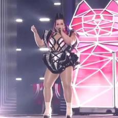 PONOSNO POKAZALA OBLINE: Prošlogodišnja pobednica otvorila Evroviziju spektakularnim nastupom!