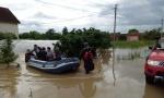 POPLAVE ŠIROM SRBIJE: Evakuisano 159 osoba, voda se lagano povlači (FOTO/VIDEO)
