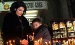 Paljenjem sveća u Hramu obeležava se godišnjica ubistva Olivera Ivanovića (FOTO)