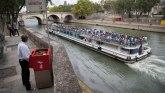 """Parižani užasnuti"""" pisoarima na otvorenom"""