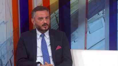 Petrović: Dok SNS zadovoljava EU, SAD, može Tadić u 7 kolona