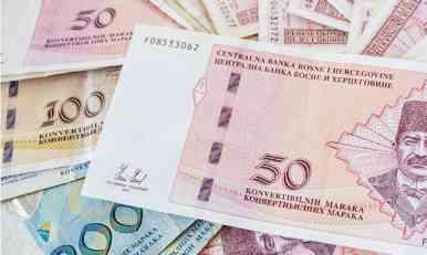 Početkom 2019. godine prosječna plata u BiH mogla bi preći granicu od 900 KM