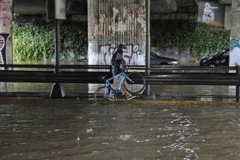 Poplava oterala komuniste i štrajkače VIDEO/FOTO