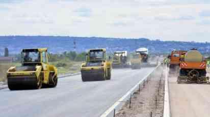 Potpisan ugovor za izgradnju deonice auto-puta od Kuzmina do Sremske Rače