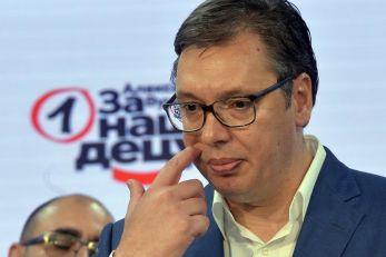 Predsednik Vučić čestitao Plenkoviću pobedu na izborima