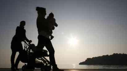 Prepreke LGBT roditeljstvu u Srbiji