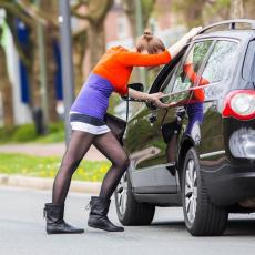 Prostitutka lažirala svoju nevinost i to DOBRO naplaćivala!