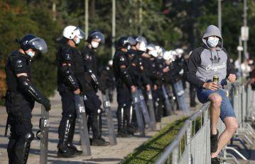 Protesti u više gradova Srbije, uglavnom mirno; SNS: Nasilje se preselilo u Čačak