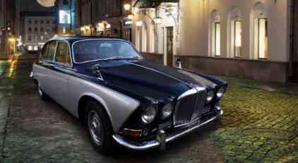 Restaurirani Jaguar 420 koji izgleda kao da je juče izašao iz fabrike